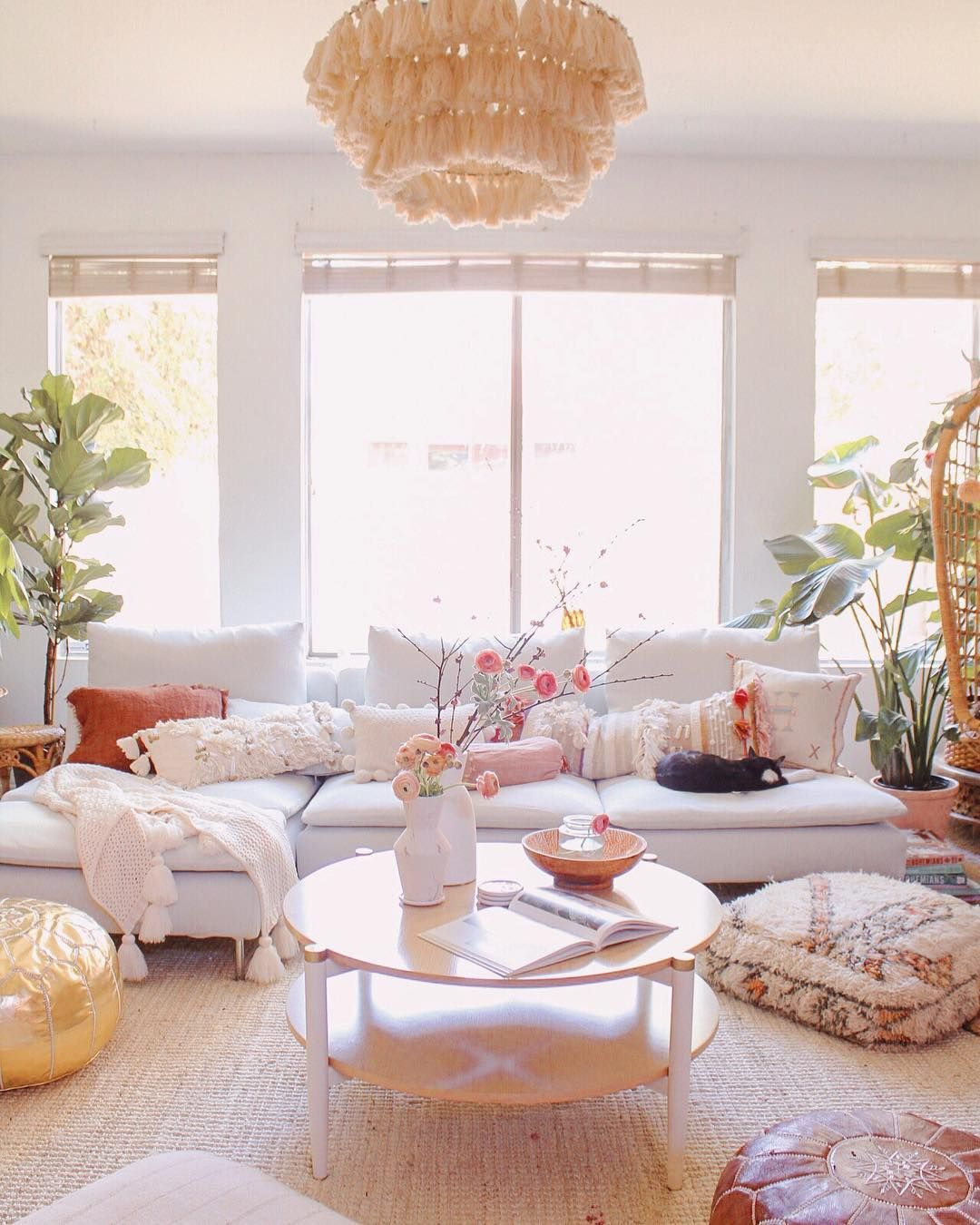 Soft Neutral Decor With Great Boho Texture Plants And Pops Of Pink #neutral #boho #living #room