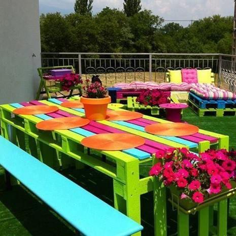 Mira estos originales muebles hechos con palets para for Muebles hechos con palets