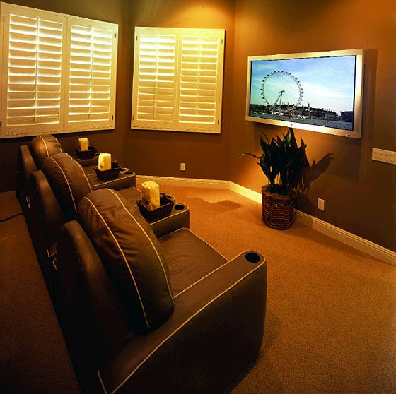 Home Entertainment Spaces: Home Theater For Small Room.