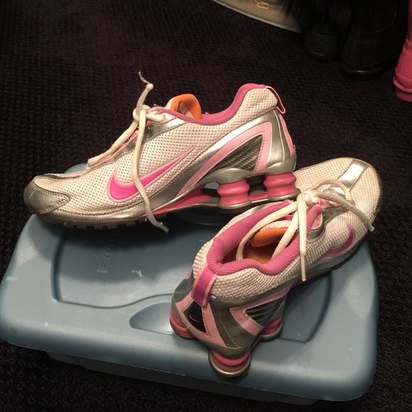 Nike shox gym shoes White pink and dark pink Nike shox gym shoes.  Size is a 5y. These have been worn and are still in excellent condition. Nike Shoes Athletic Shoes