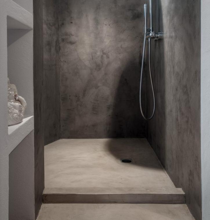 Alternativa piatto doccia con rivestimento in microcemento - Box doccia resina ...