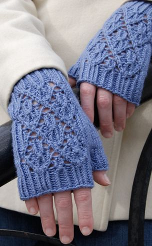 Pt Reyes Fingerless Designed by Stephannie Tallent http://www.classiceliteyarns.com/WebLetter/160/Issue160.php