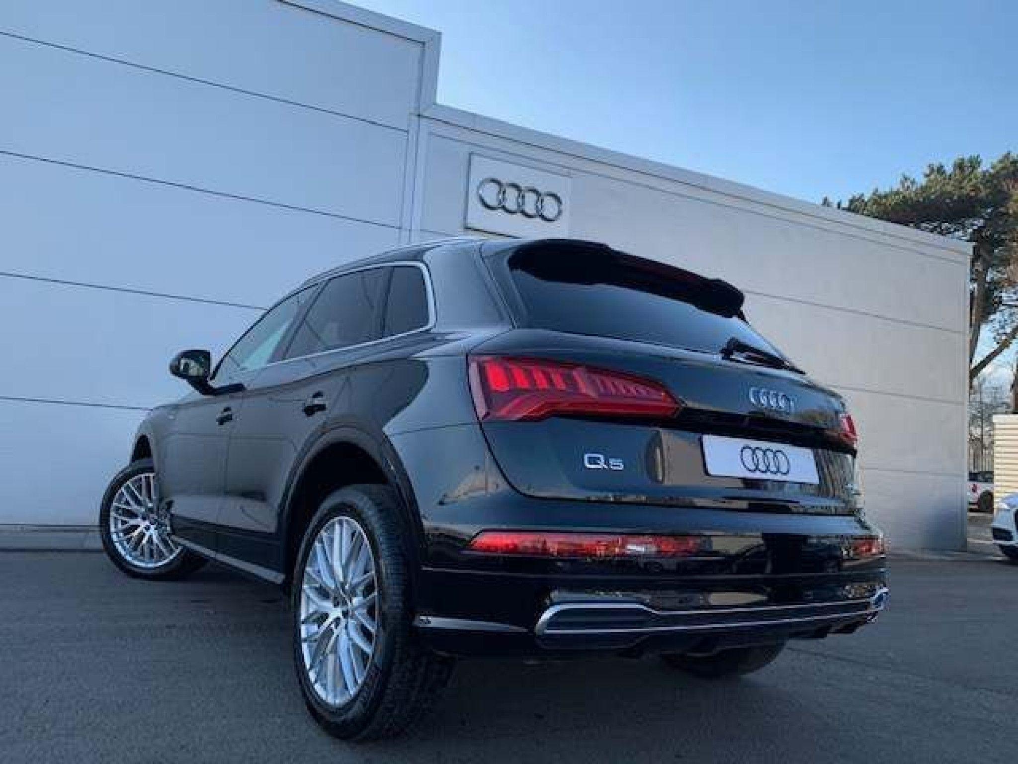 Audi Q5 2 0 Tdi 40 S Line S Tronic Quattro S S 5dr In 2020 Audi Q5 Audi Tdi