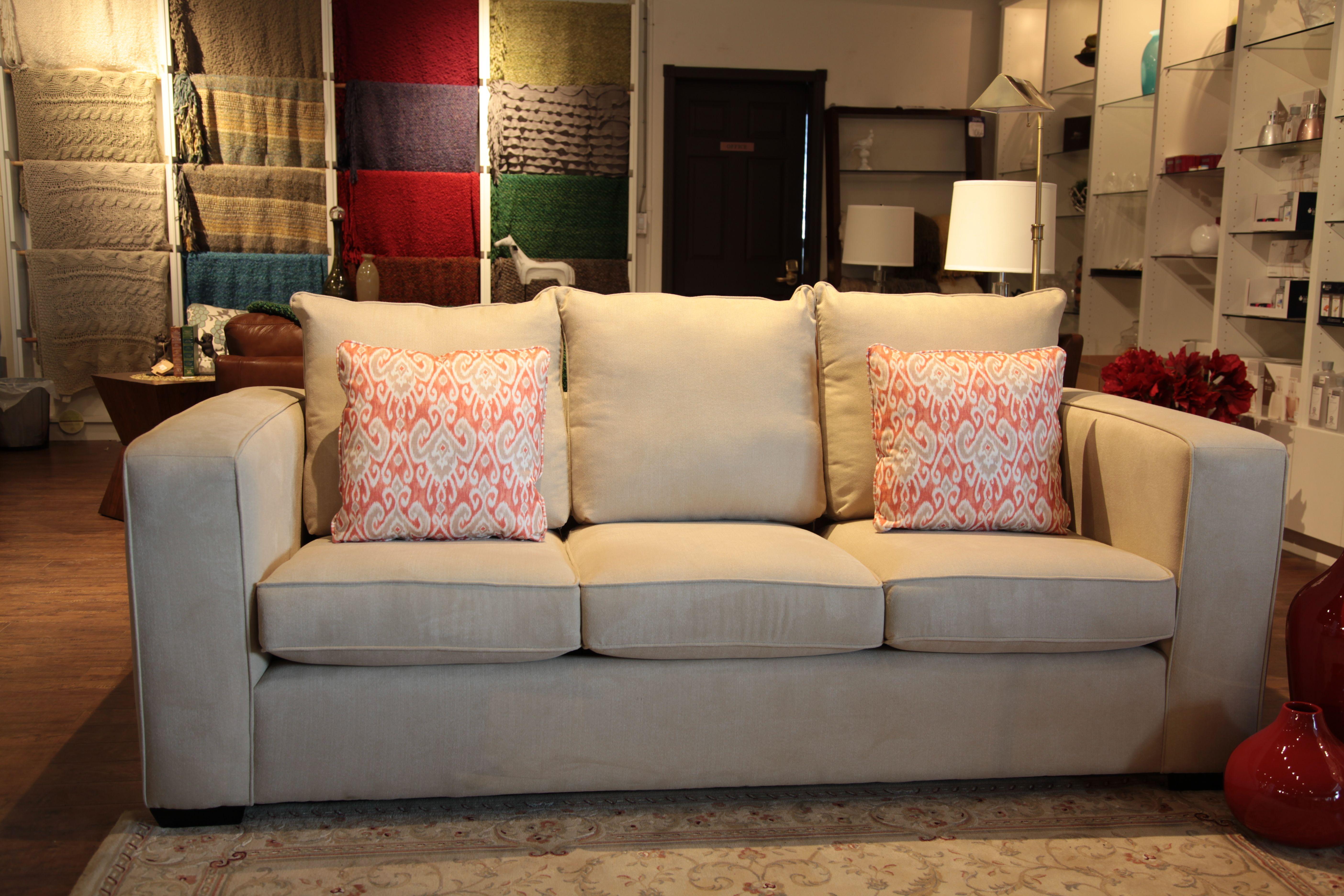 Awe Inspiring Jamie Sofa By Stylus Shown In Gr 5 Monty Ecru Available In Uwap Interior Chair Design Uwaporg