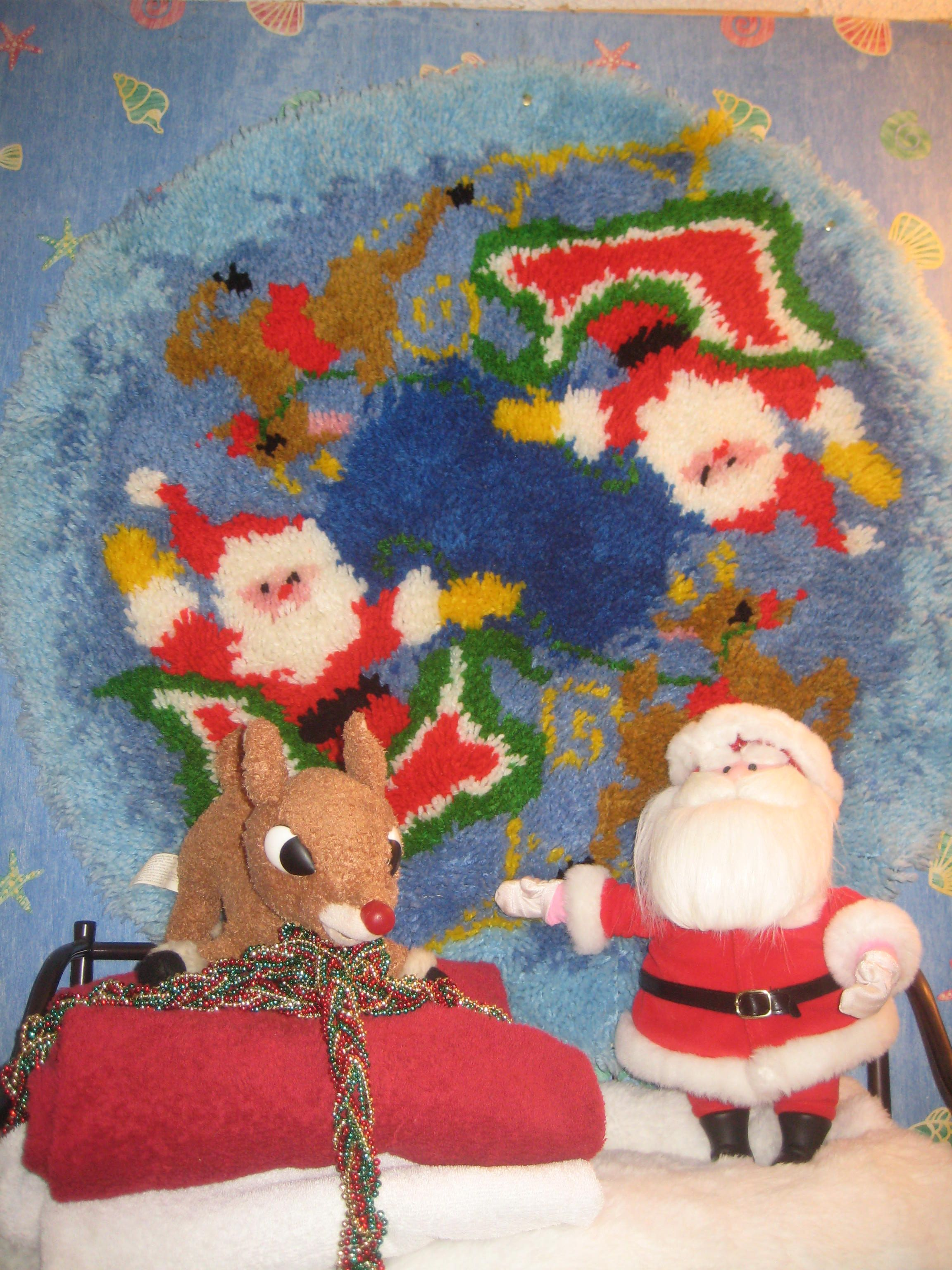 Kitschy Christmas goodness from my little boys bathroom shelf. :) <3 ...
