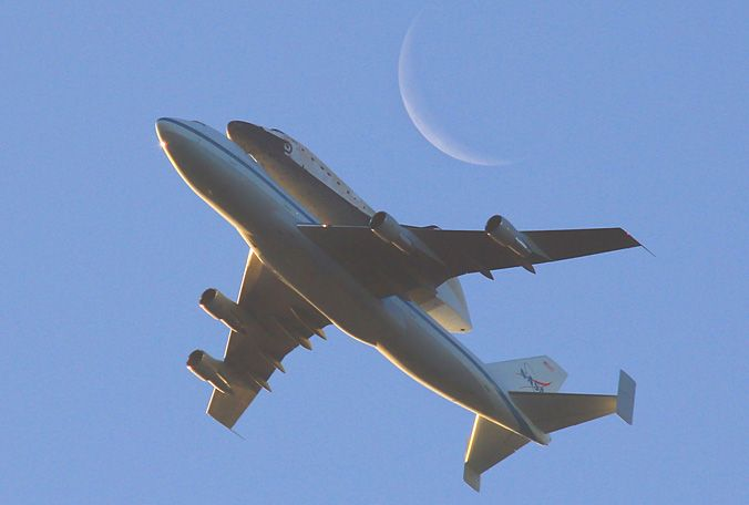 Space Shuttle Discovery leaves Florida for the last time atop a 747...