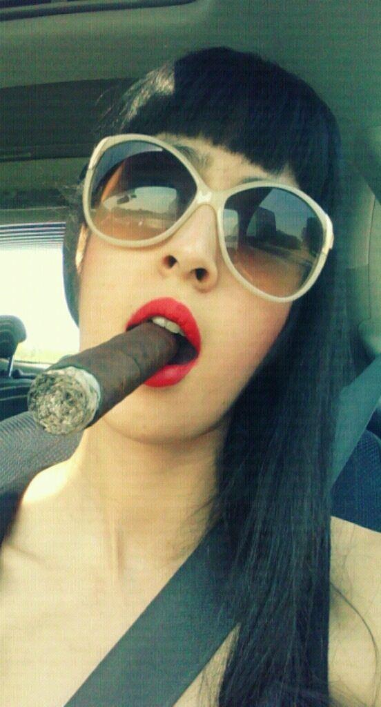 a7e19a22b The always beautiful Smoking Hot Cigar Chick | Cigar | Women smoking ...