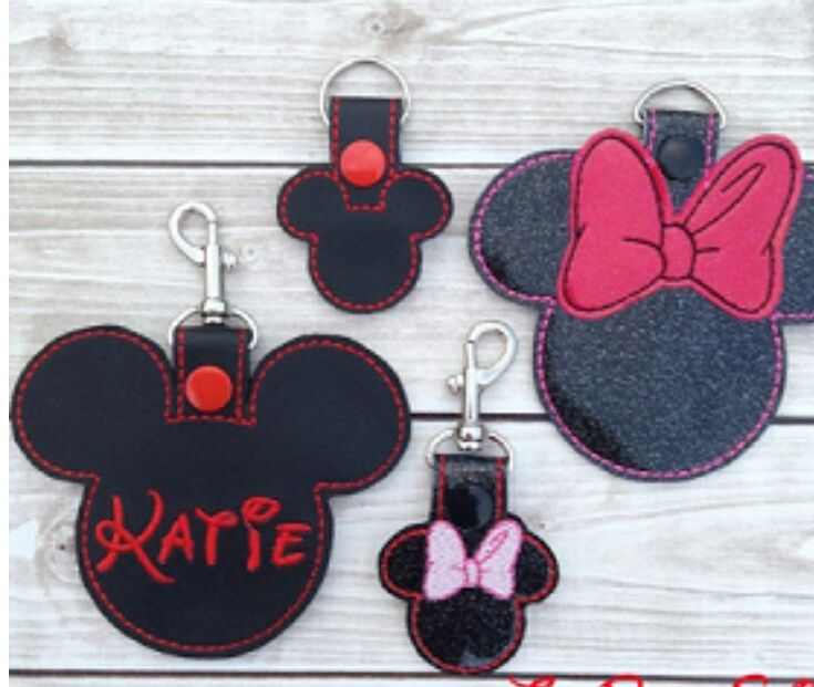 Minnie Mickey mouse key fobs in 2 sizes | Projects To Do