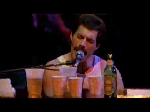 """""""SOMEBODY TO LOVE"""" - Queen Live at the Bowl - Freddie Mercury at his best!"""