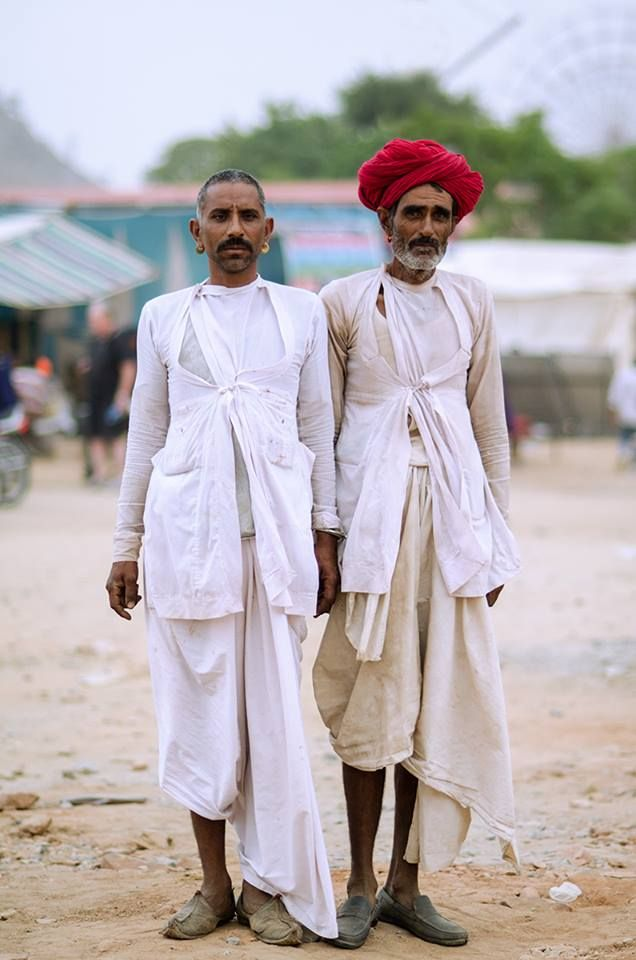 Rajasthani Men In Traditional Angrakha Normad Chic 遊牧風