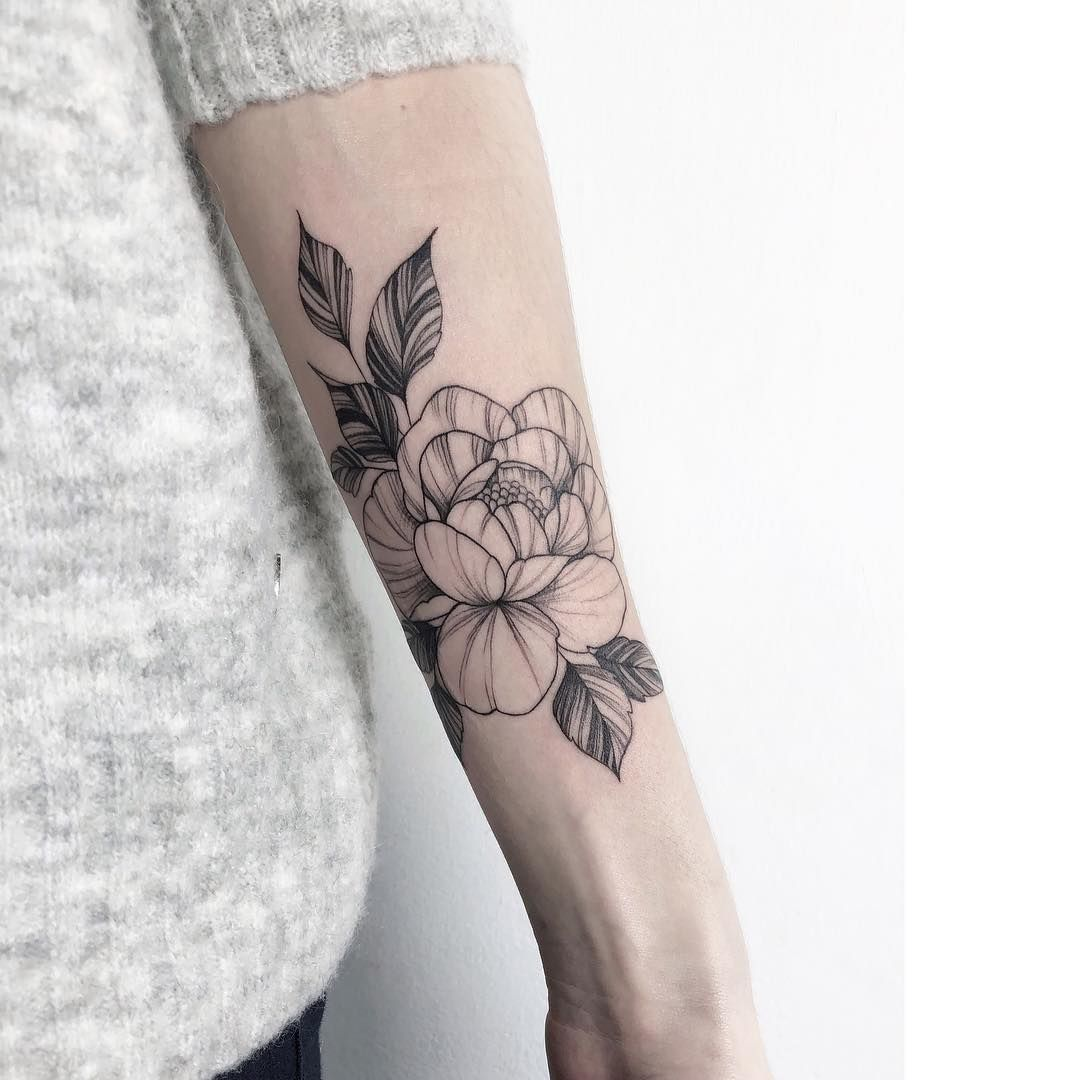 Light Tattoos By Yarina Tereshchenko Tattoo Artists Tattoos Minimalist Tattoo