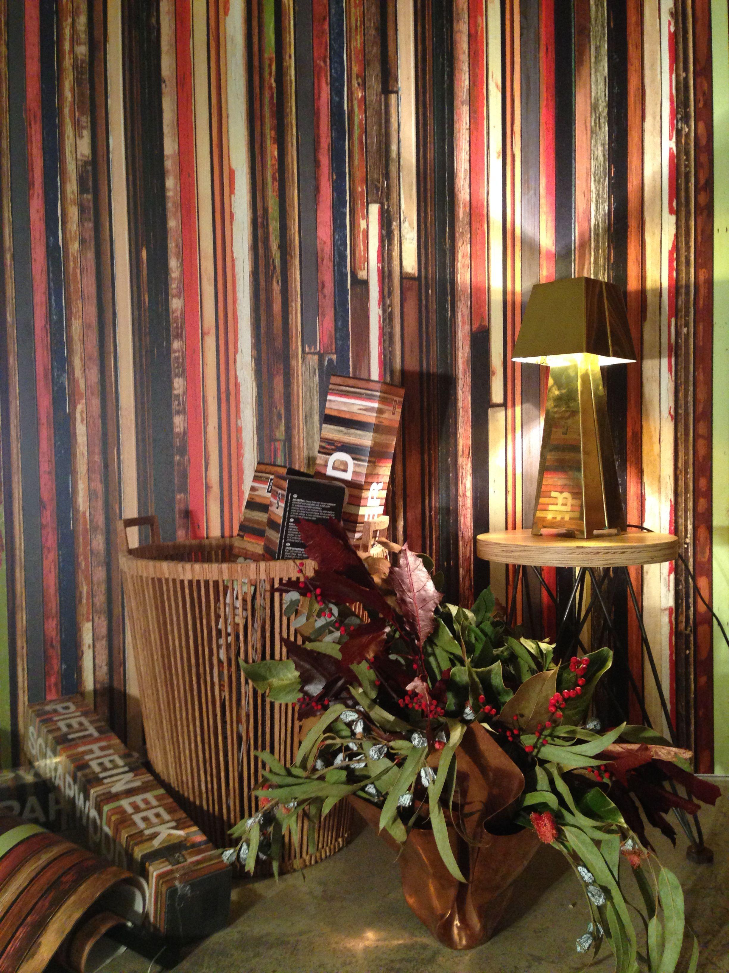 Llegan las fiestas en Roomservice Design Gallery. Bodegón, diseños Wallpaper de Piet Hein Eek. PHOTO y MONTAJE: Anna cortada