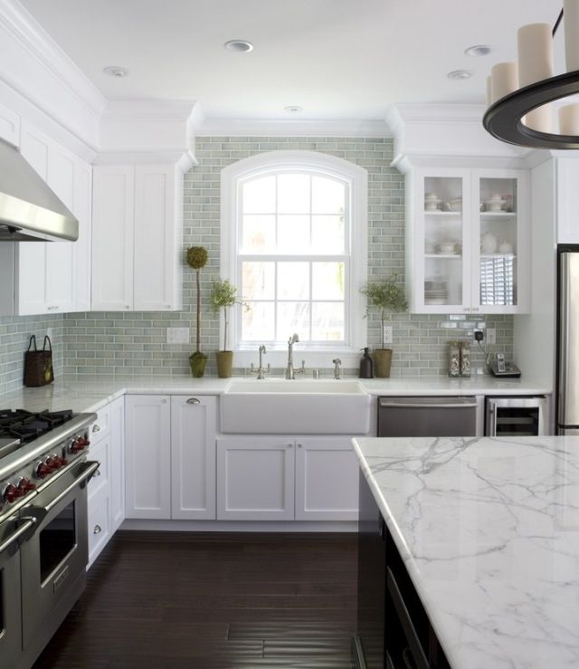 Totally in love with this kitchen! I always study it for inspiration ...