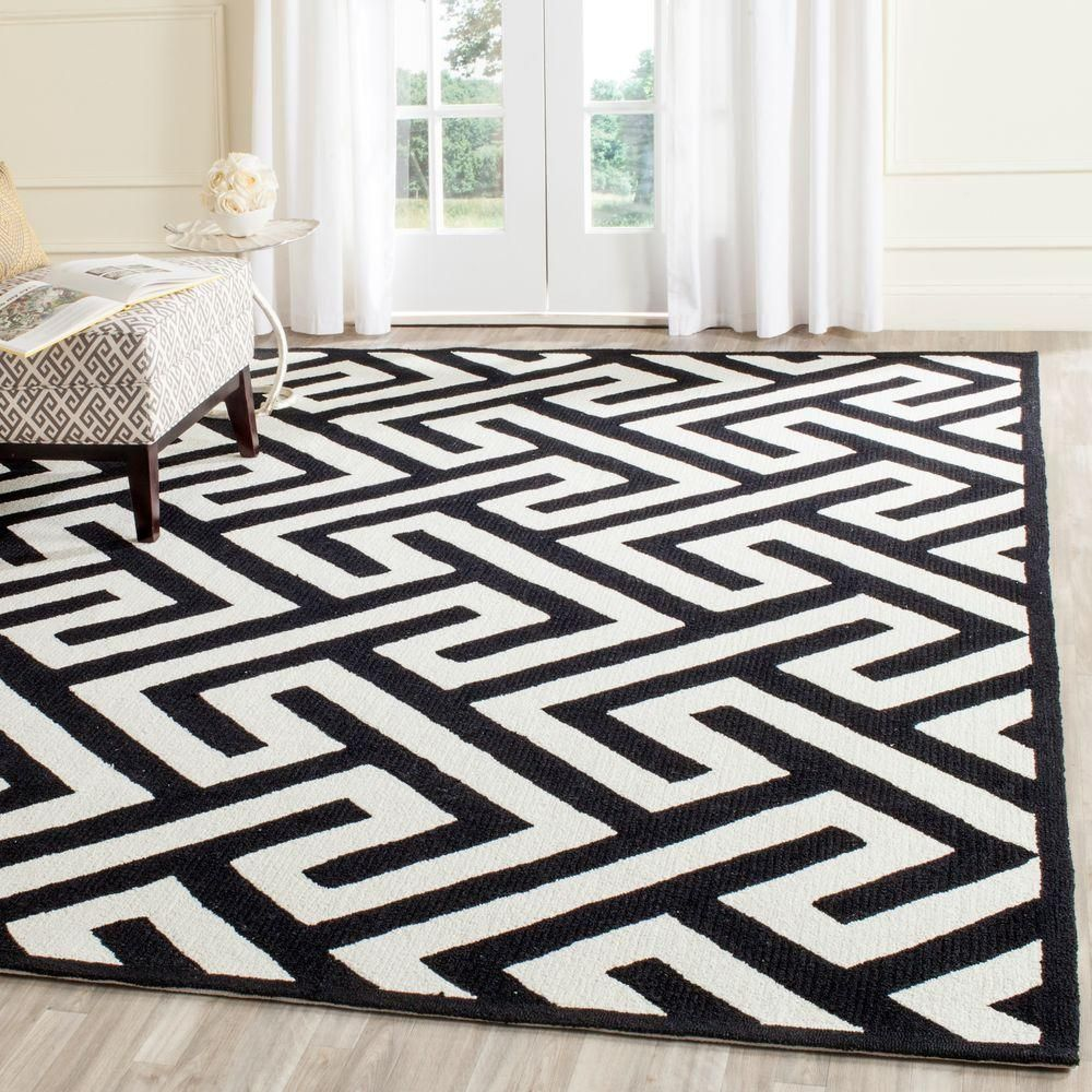 Four Seasons Ivory Black 5 Ft X 8 Ft Indoor Outdoor Area Rug Black Area Rugs Area Rugs Indoor Outdoor Area Rugs