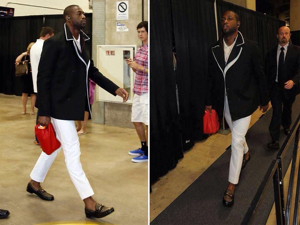 Wade doin his thang....I prefer socks...