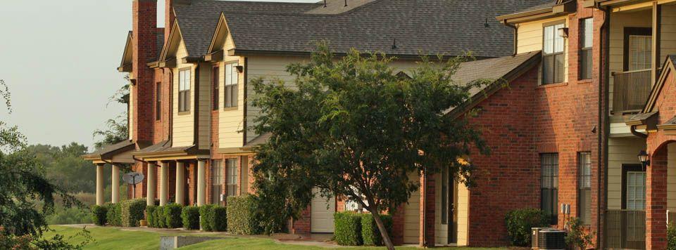 877 440 8495 1 3 Bedroom 1 2 Bath Towns Of Riverside 2803 Riverside Pkwy Grand Prairie Tx 75050 Townhomes For Rent Bath Town Grand Prairie