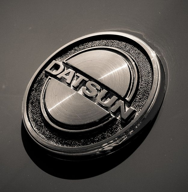 datsun logo logos nissan and cars