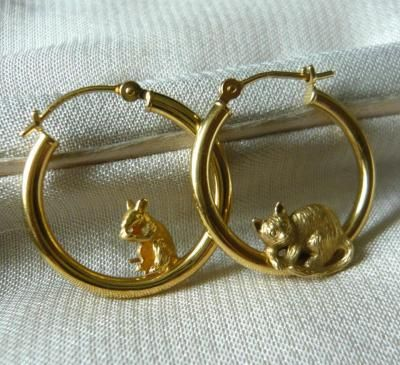 Anyone Fancy A Game Of Chase 9ct Gold Cat And Mouse Hoop Earrings