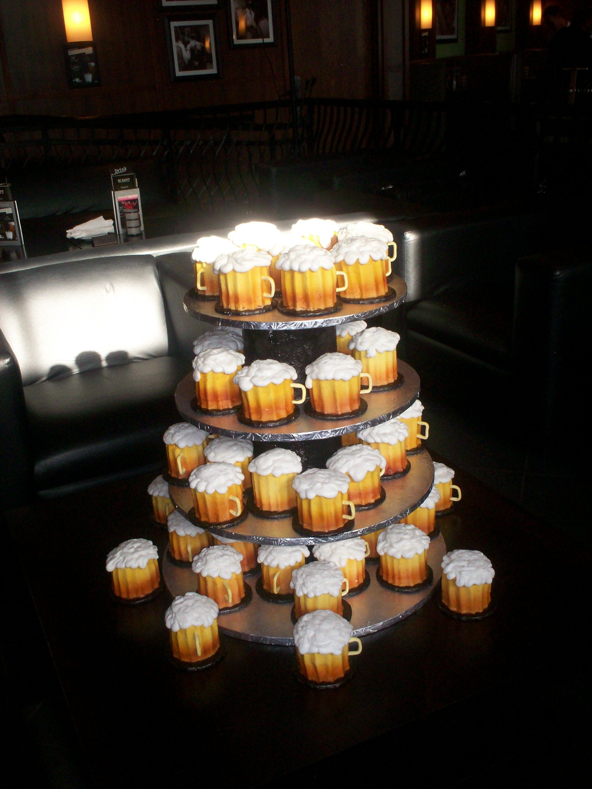 Cupcakes that look like beer mugs Our Grooms Cakes Pinterest