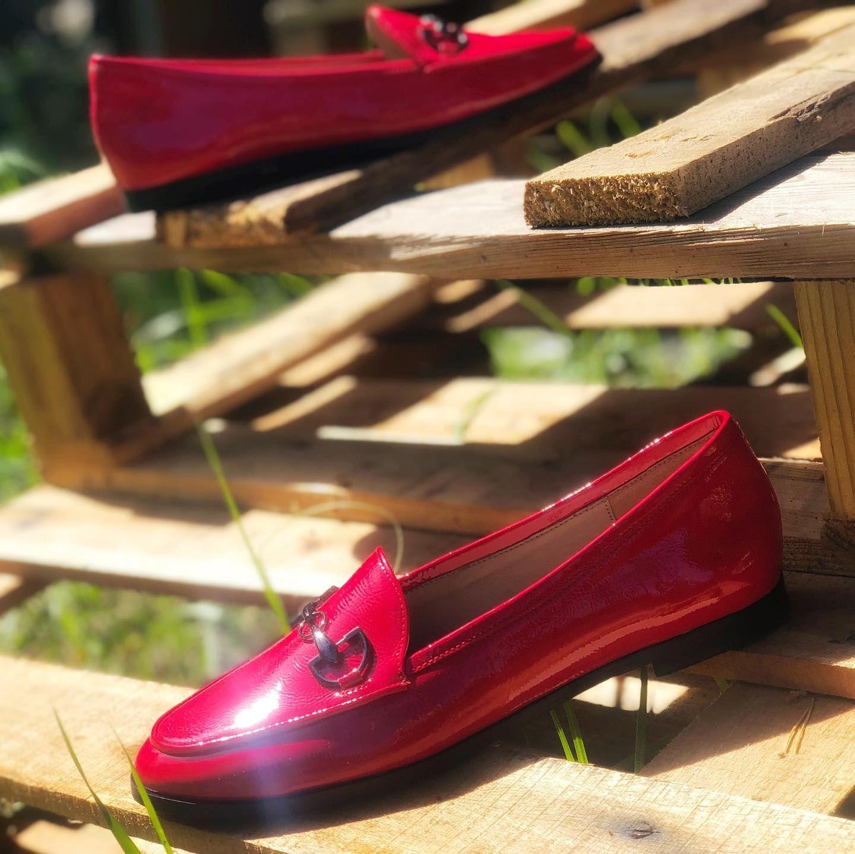Co Sadzicie O Czerwonych Lakierowanych Mokasynach My Jestesmy W Tym Kolorze Zakochani 7milshoes Mocasines Re Dress Shoes Men Loafers Men Oxford Shoes