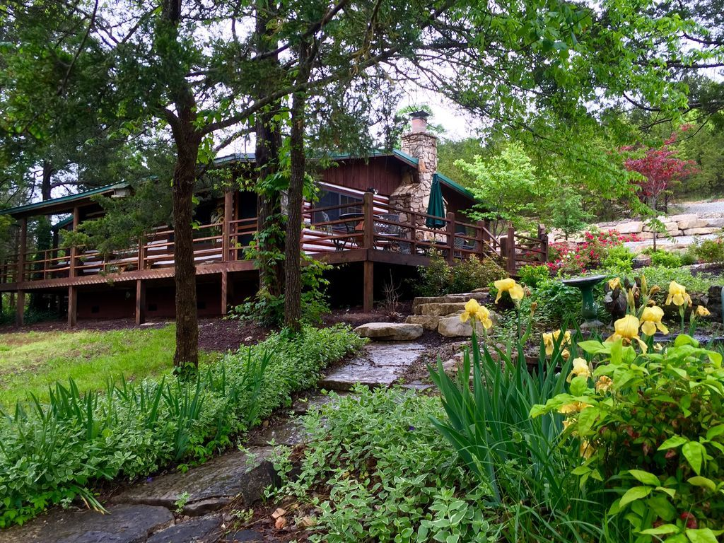 Gypsy Dell Your Perfect Vacation Hideaway Sitting Next To A Beautiful Secluded Cove On Table Rock Lake Log Cab