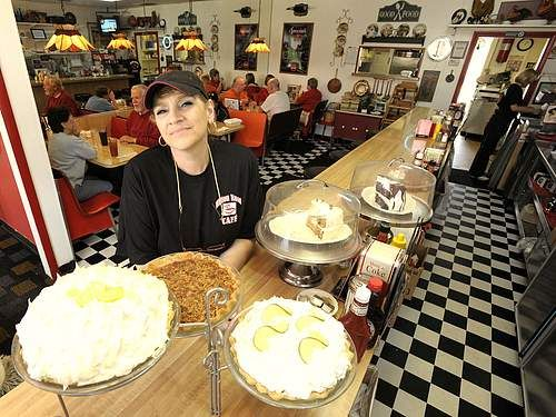 Food Snob Ferndale Detroit S Best Breakfast Scene The Urbane Life Food Snob Best Breakfast Cafe Food