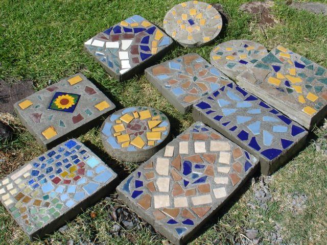Losetas para jard n con cemento piedras y trozos de cer mica losetas mosaicos p jardin - Loseta para jardin ...