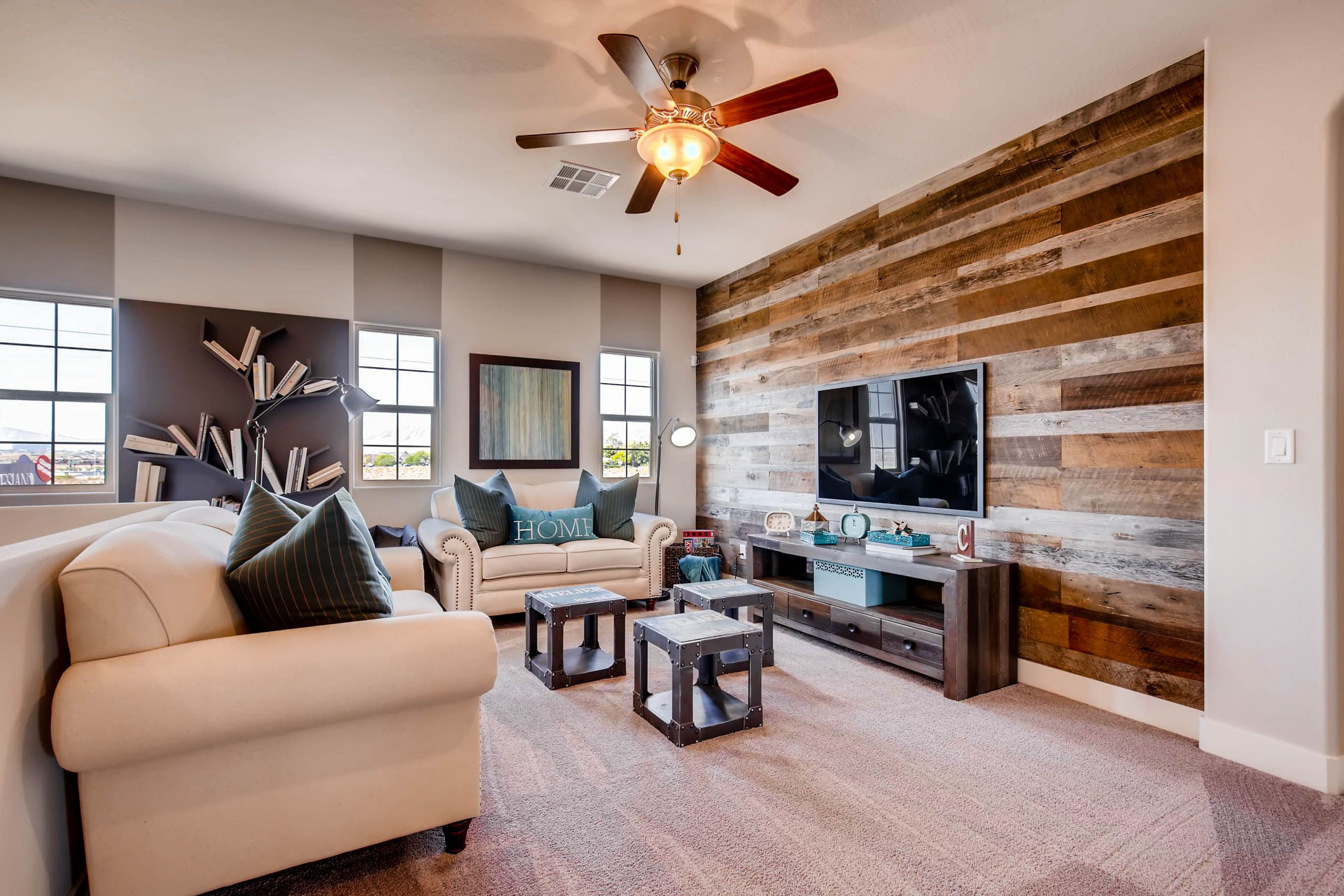 Wood panel accent wall (With images)   Living room design ...