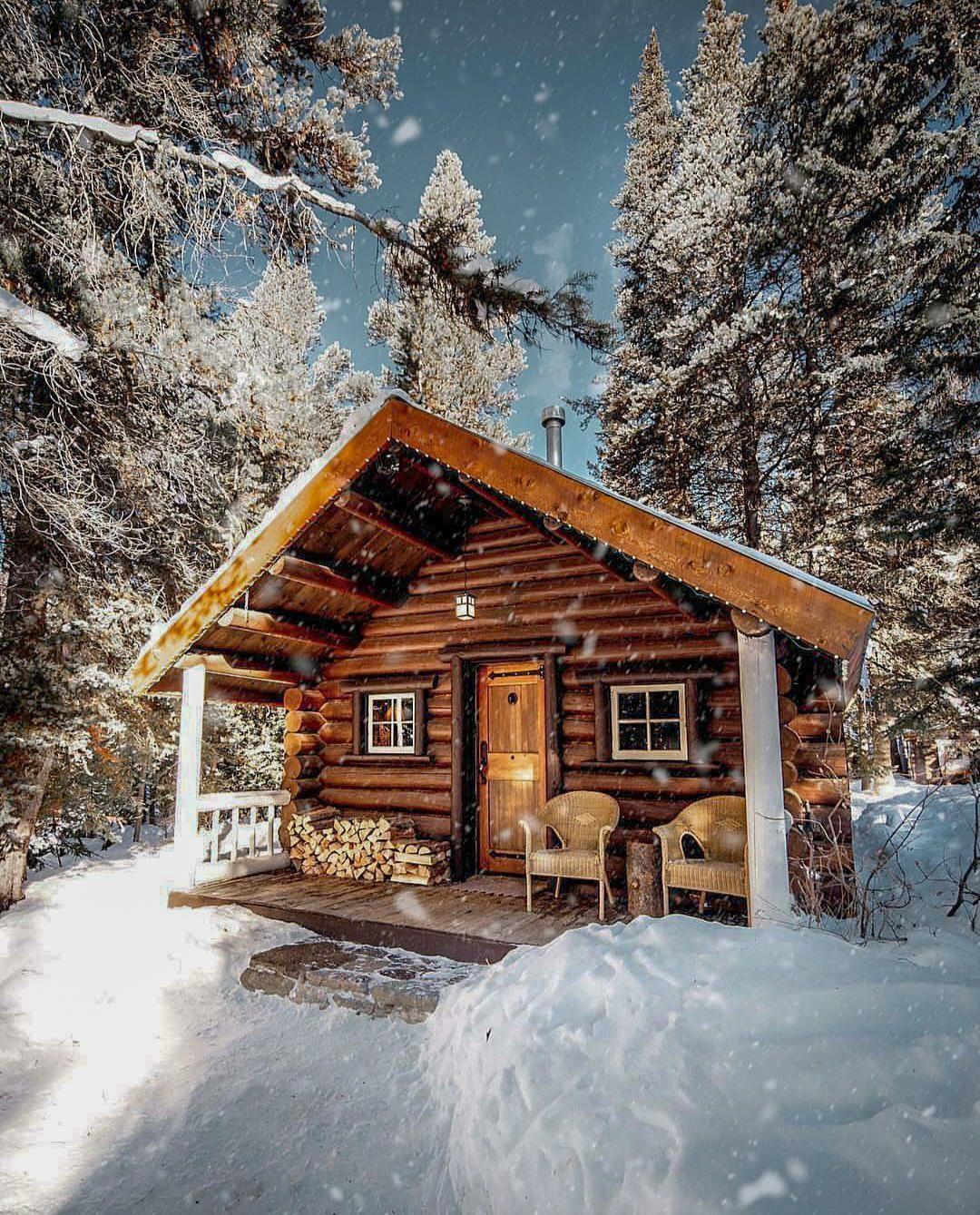 Cozy Homedecoration: Banff Canada . . #interiordesign #cozyplace #rustic