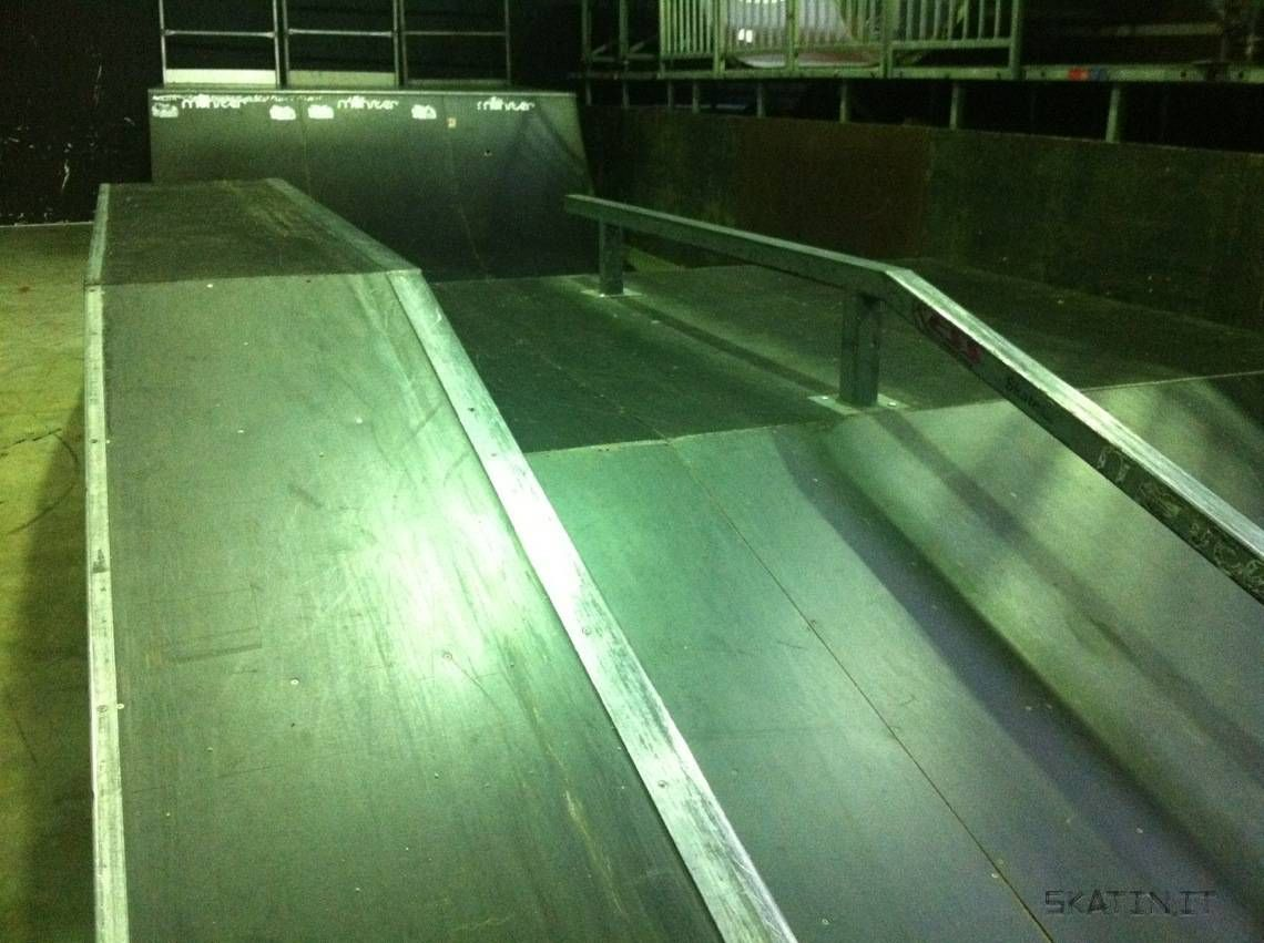 Monster Skatepark Sydney NSW Australia Skate Skateboarding Skatinit Skateparkreview