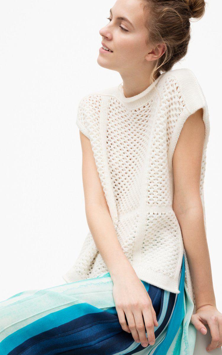 Der ärmellose Pullover überzeugt Mit Einem Weiten U Boot Ausschnitt