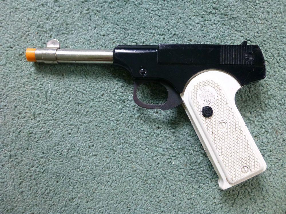Target Toy Guns : Vintage parris mfg kadet target pistol cork gun pop toy
