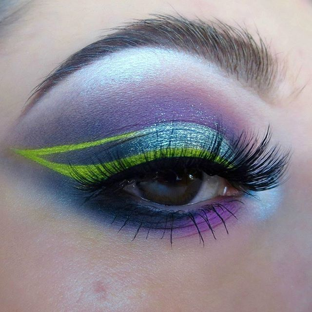 """These colors are seriously giving me some Buzzlight Year vibes .@katvondbeauty #PastelGothPalette in """"Meow"""",#MetalMattePalette in """"Stoned"""" & """"Jet"""",#AlchemistPalette in """"Sapphire"""" for highlight,@nyxcosmetics Jumbo Pencil Black Bean,@looxi_beauty Aurora 2 in """"Starboy"""" on center (USE KB10 to SAVE $$$),@kryolanofficial Aqua Color White,@maccosmetics Sour Lemon Eyeshadow on top, Lashes are @hello.beautylife in """"Haily"""" so fluffy"""