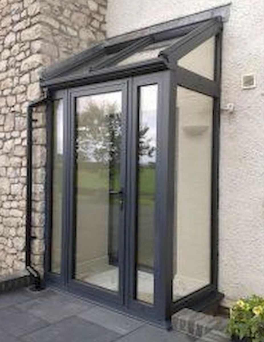 Pin By K Mcq On Vestibule In 2020 Glass Porch House With Porch Porch Design