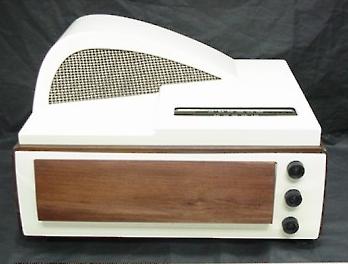 Philco Radio Record Player 1940s Front Loading Bakelite And Wood Case Beautiful Art Deco Design Kit Cat Clock Radio Record Player Art Deco