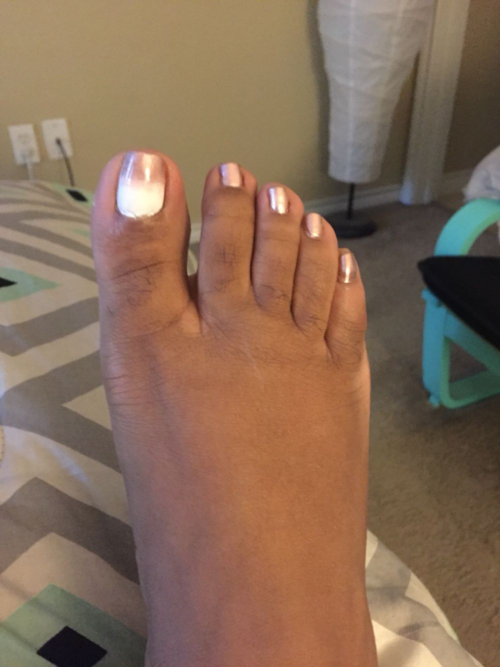 White And Gold Ombre Toe Design Gel Shellac Nails Shellac Nail Designs Toes Designs