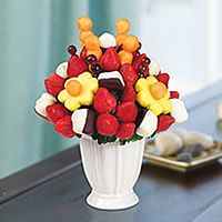 Fruit Baskets As Birthday Gifts Surprise Your Friend Or Family Member With A Delicious Fresh Bouquet Gift From Edible ArrangementsR