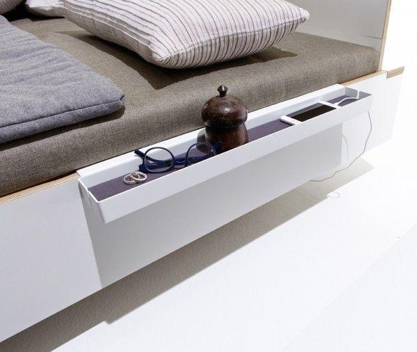 Diese Schmale Und Langere Ablage Kann An Der Seite Des Bettes Befestigt Werden Und Bietet Eine Elegante Lagerflache Bett Ablage Einrichten Design