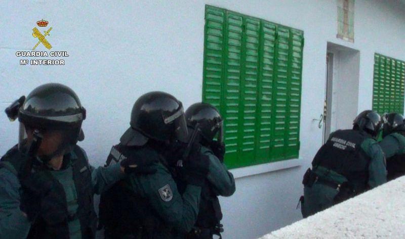 Agentes de la Guardia Civil de Collado Villalba desarticulan una banda especializada en el robo de coches de gama alta - villalbainformacion.com