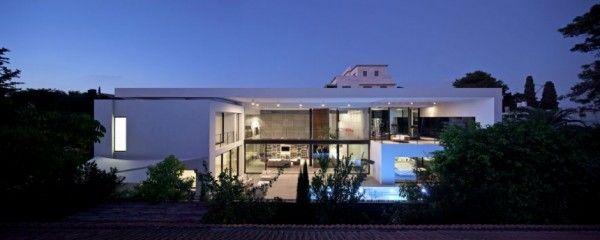 House · contemporary bauhaus style home in haifa