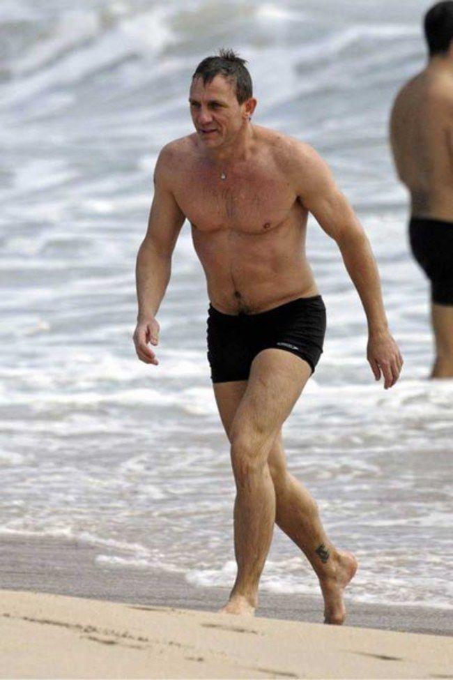 a853c10a56 men's bathing suits daniel craig - Google Search | Tom & Hillary ...