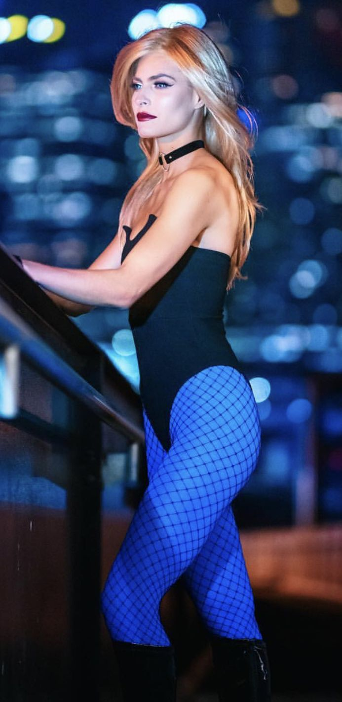 Black Canary Cosplay - SaberCreative : cosplaybabes