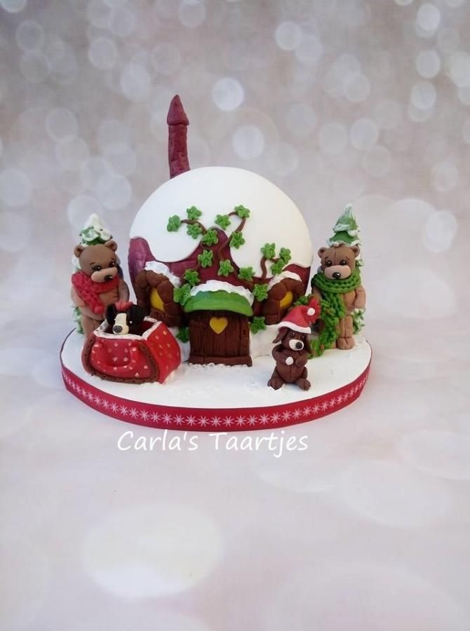 Almost Christmas By Carla Banh Torten