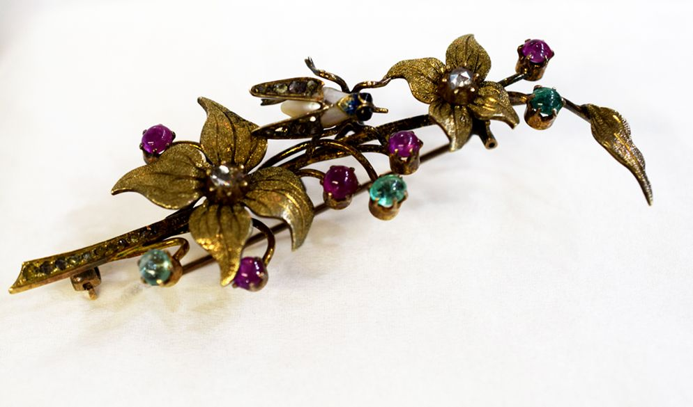 Spring blooms etched in time...  #Victorian #Brooch #Antiques #Diamonds #Emeralds #Pearls #Rubies #Cynthiafindlayantiques