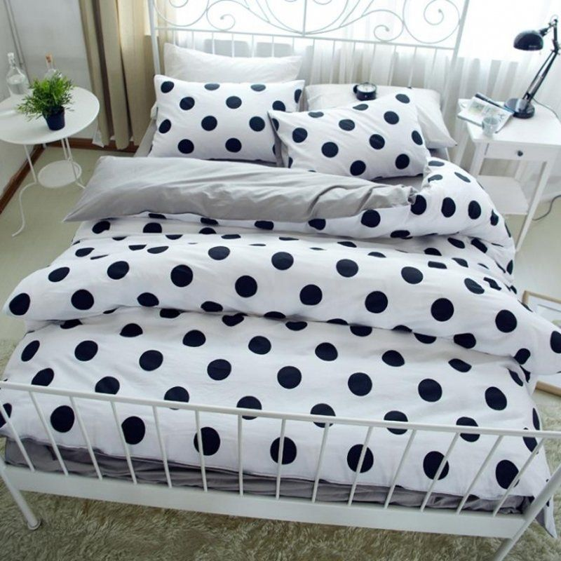 Best Contemporary Modern Chic Black White And Light Gray Polka 640 x 480
