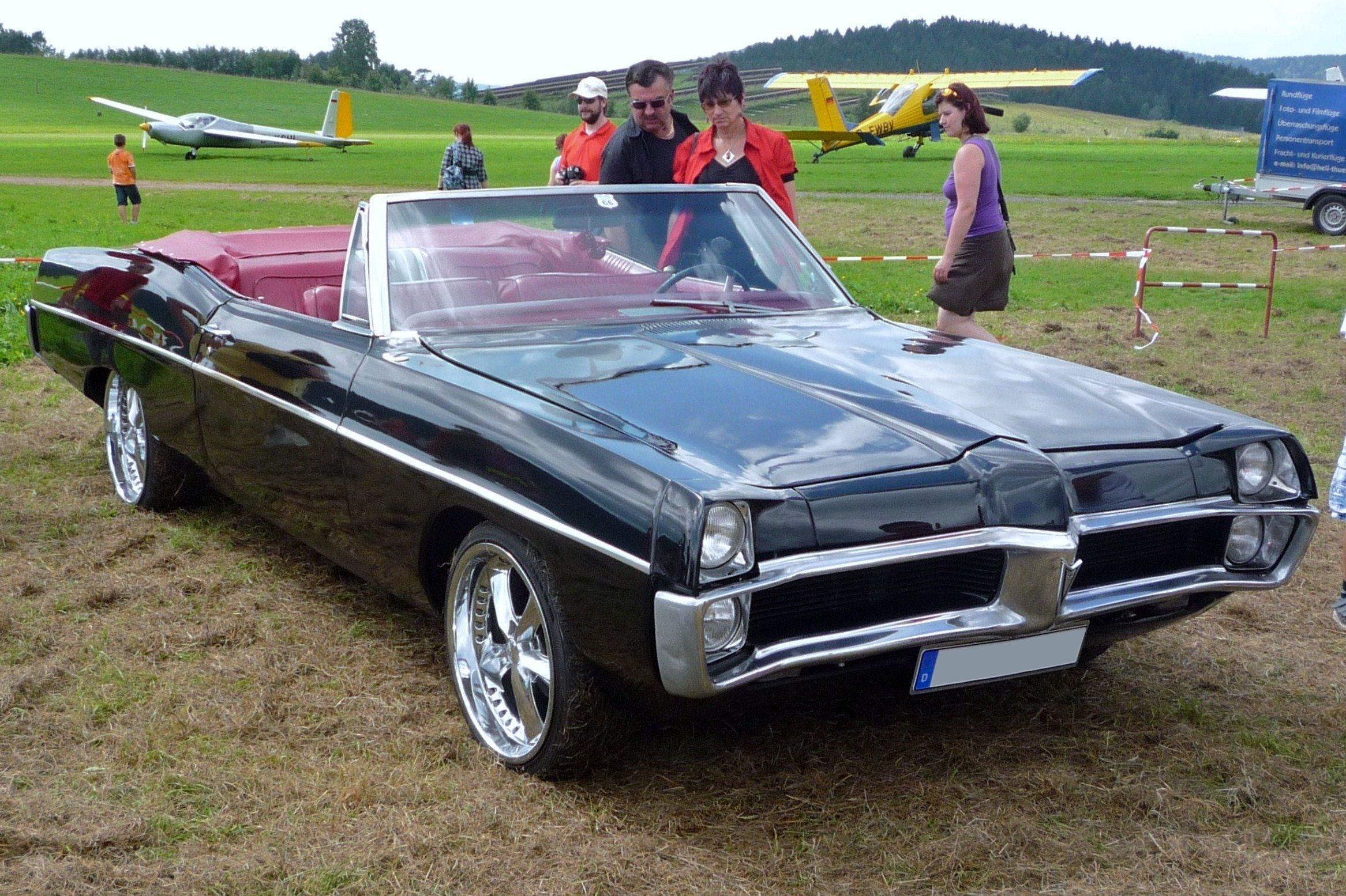 67 Pontiac Catalina Convertible Kind Of Surprised There Aren T More People Looking At It Maybe Was A Private Viewing