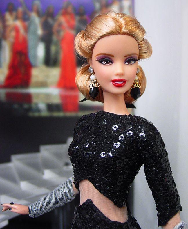 938314 Ninimomo Barbiedolls Ii Closeup Jewelry Shoes