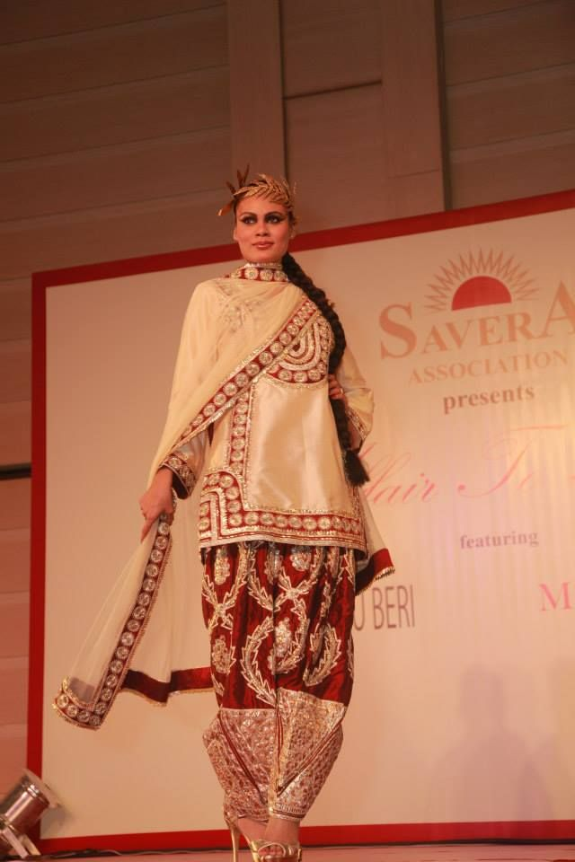 Ritu Beri Designs Savera Fashion Show Indian Bridal Wear Indian Outfits Asian Fashion