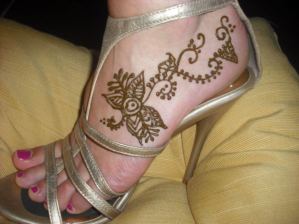 Bridal Mehndi Feet Wallpapers : Mehandi designs latest mehndi bridal