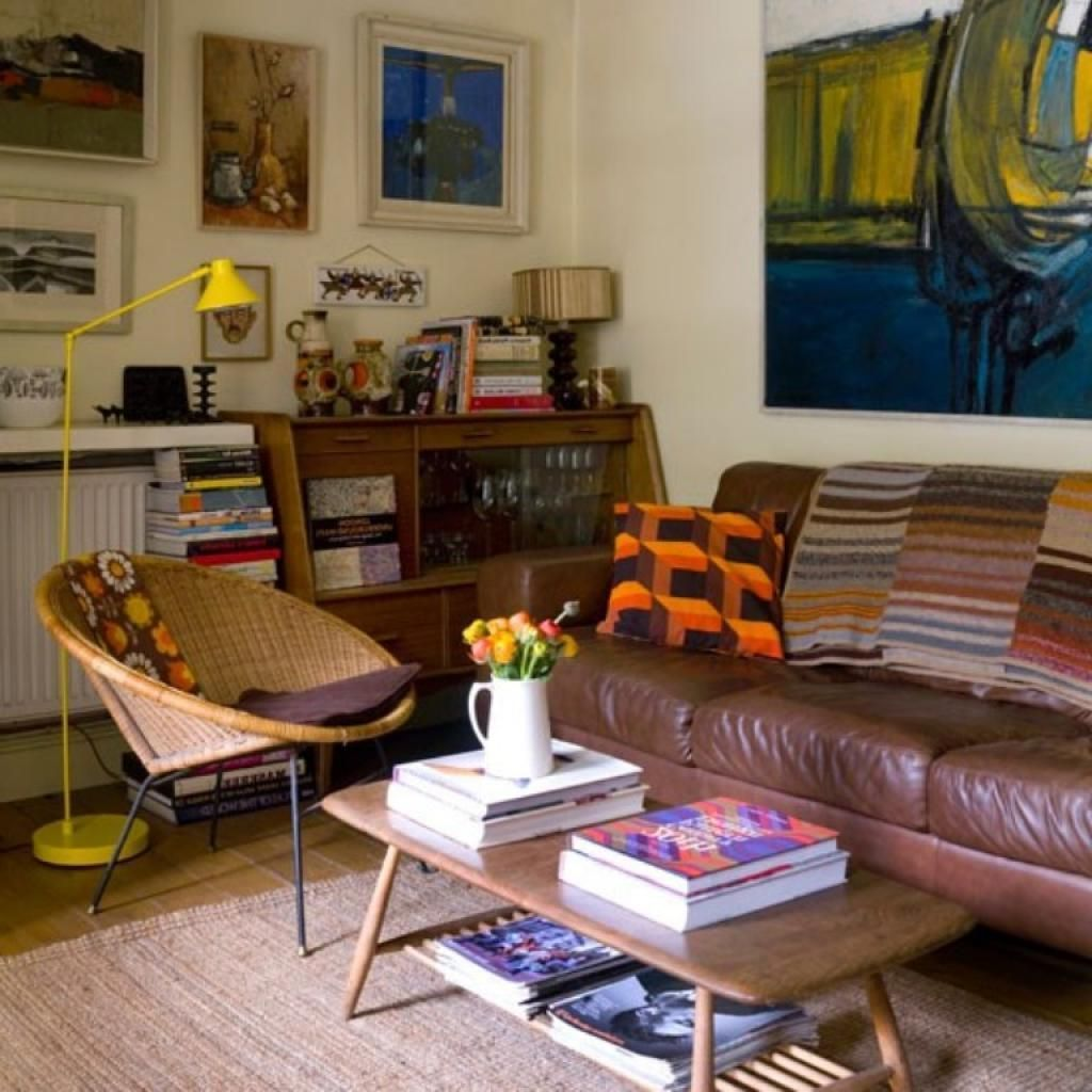 Quirky Eclectic Living Room Calsic Sofa And Abstrack